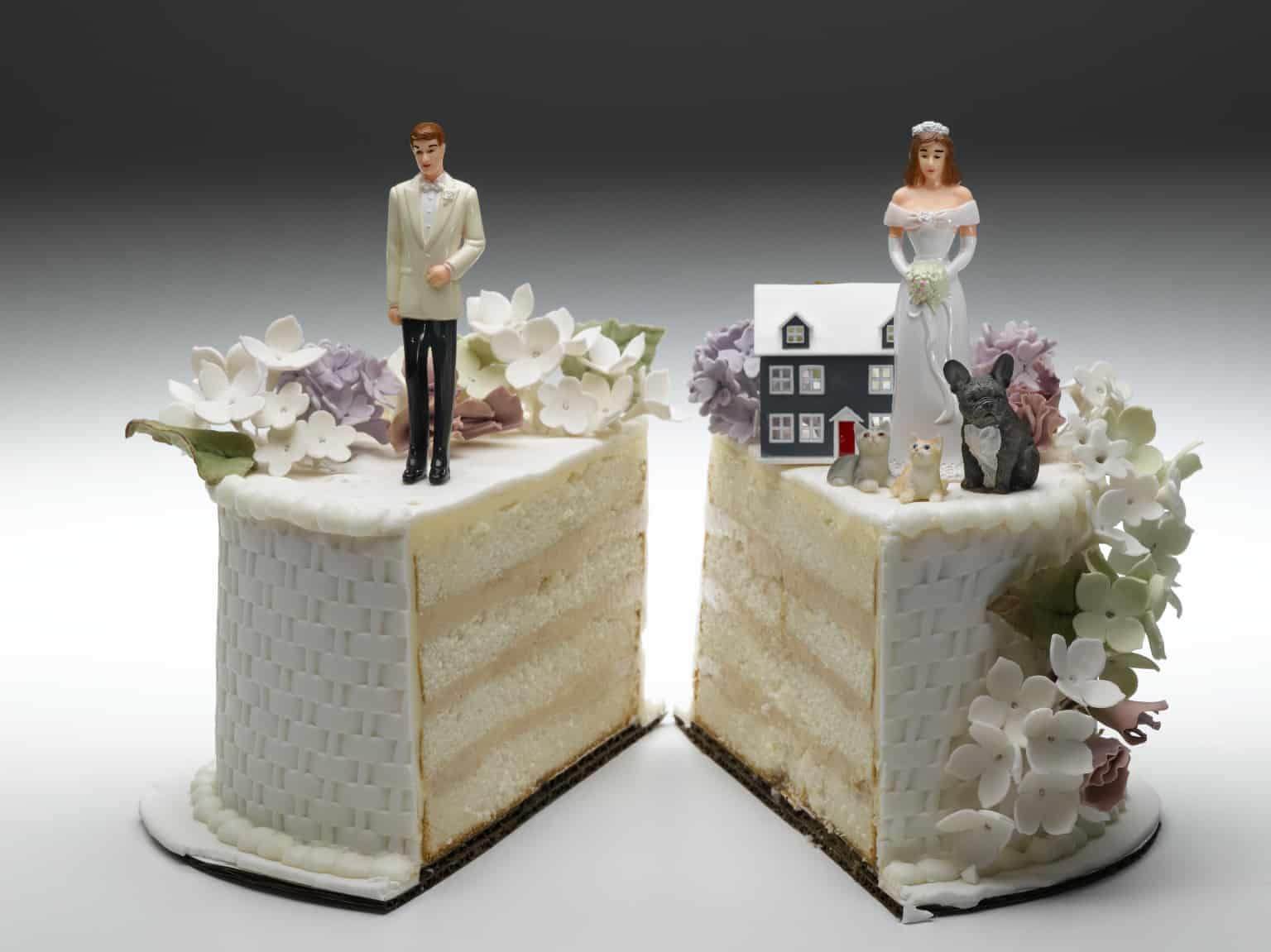 Biten Evliliği Taçlandıran 10 Butik Boşanma Pastası