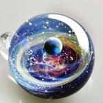 Küçük Küreler İçerisine Galaksiler Sığdıran Adam