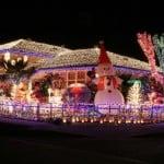 Komşuları Kıskançlıktan Çıldıracak ! Yılbaşı için Süslenmiş Evler