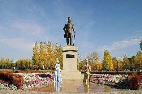 Astana, Kazakistan Atatürk Heykeli