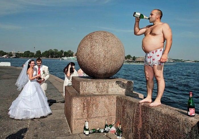 Kardeşinin düğün hazırlıkları artık ne kadar darladıysa adamı