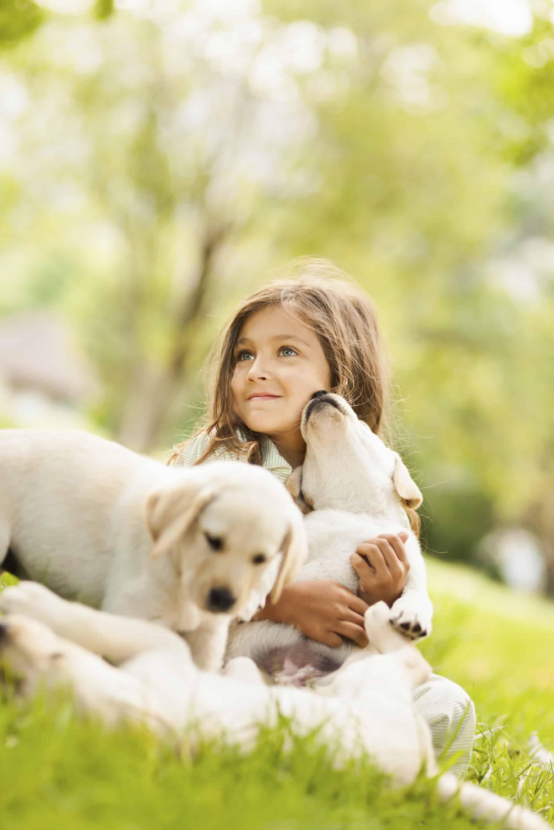 Evcil Hayvanlarla Büyüyen 25 Mutlu Çocuk