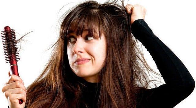 Erkeklerde ve Kadınlarda Saç Dökülmesi Nedenleri – Tedavisi