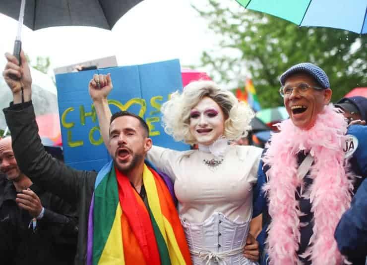 Türkiye'de Eşcinsel Olmanın 5 Madde İle Zorlukları!
