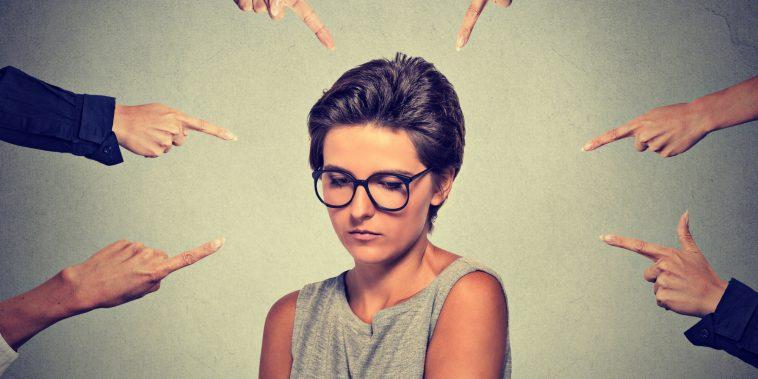 Sosyal Fobi Nedir?: Herkesin Karşı Karşıya Kalabileceği Ciddi Sorun