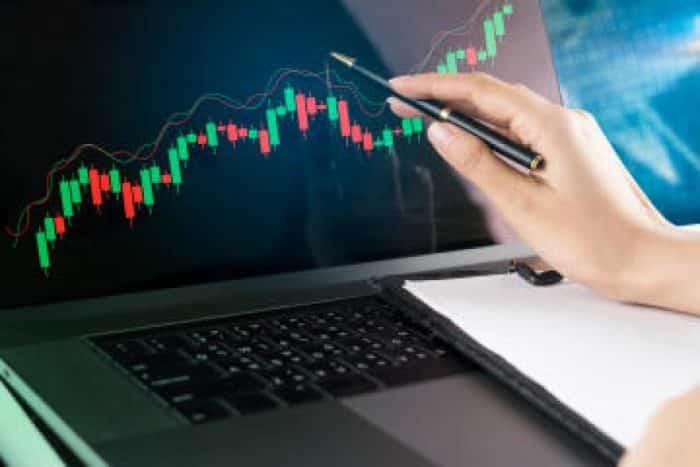 Borsa Eğitimi – 2020 Güncel – Oturduğunuz Yerden Para Kazanmanızı Sağlayacak En İyi 15 Eğitim